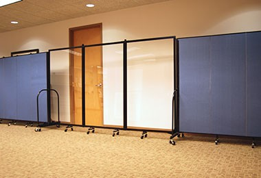 Translucent Wall Panels Used In-Line With Screenflex Dividers